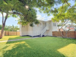 Spacious Fully Renovated Home in Morningside - 5kms to CBD